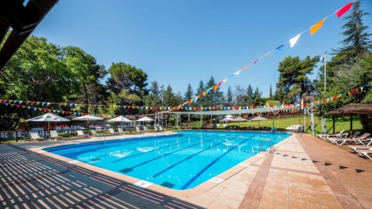 בריכת שחייה-עונתי